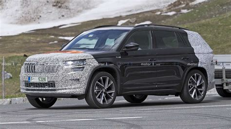 India-Bound Skoda Kodiaq Facelift Spied Testing For The