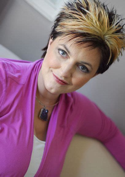 Psychic Lisa Williams to appear on Sunday at Symphony Hall