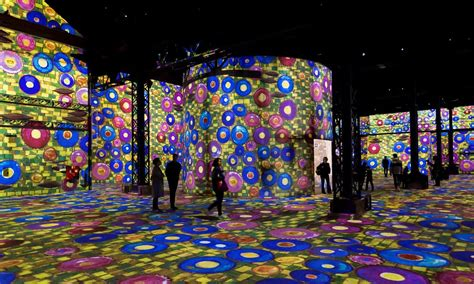 The first digital art museum in Paris opens with a Klimt