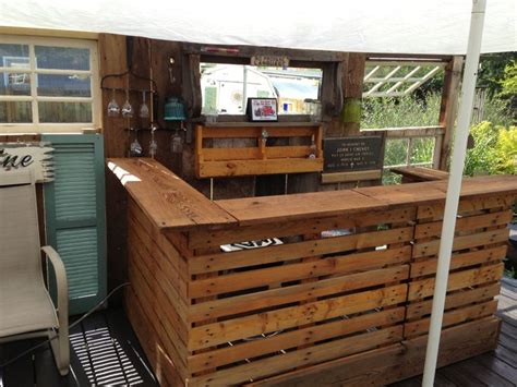 Pallet bar stained with natural oil stain